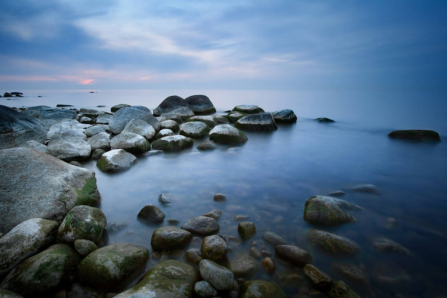 Calming image of rocky shoreline